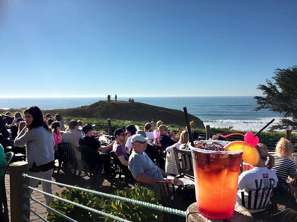 Ocean View Outdoor Bar And Dining Near Half Moon Bay